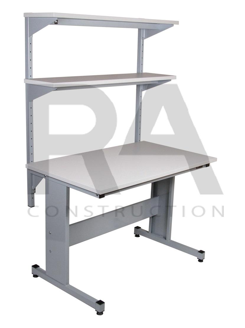 nowoczesny przemysłowy stół z półką i oświetleniem blatu ac2