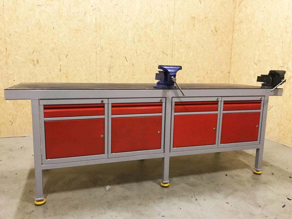 ciężki stół ślusarski warsztatowy z imadłem i metalowym blatem